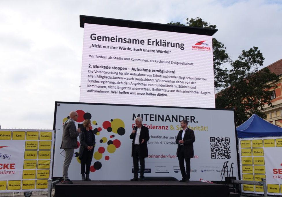 10_2020_TdDt_Einheit_Podiumsgespräch_Solidaritaet_mit_Moria_c_LHP_S.Altmann.DSC00240